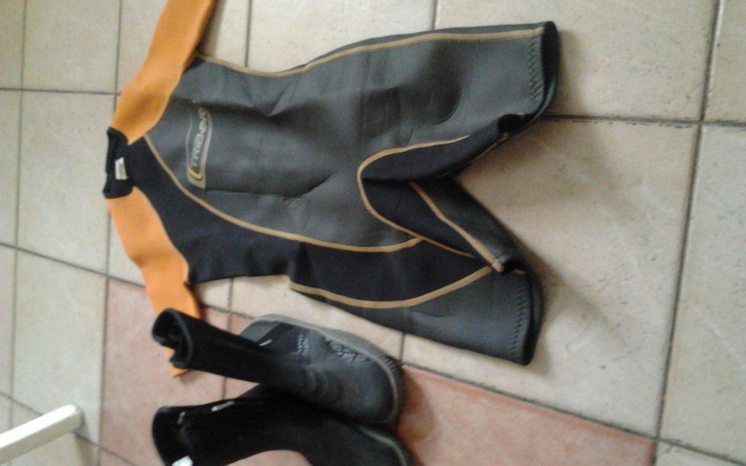 Békaruha, békacipő eladó